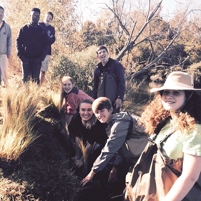 Students build oyster reef and living shoreline in Urbanna